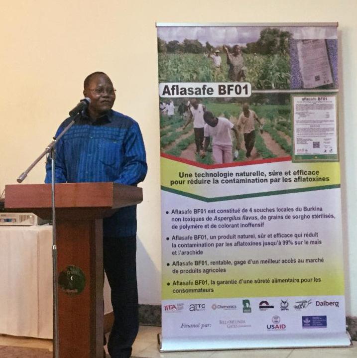 Dr. Hamidou Traoré, Directeur Général de l'Institut de l'Environnement et de Recherches Agricoles, lors du lancement de Aflasafe BF01